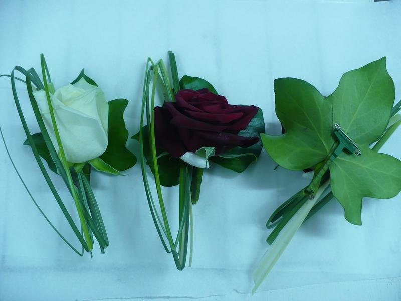 boutonni re en harmonie avec le bouquet de la mari e. Black Bedroom Furniture Sets. Home Design Ideas