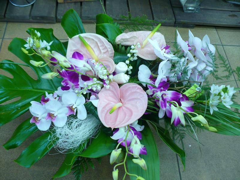 Votre fleuriste lorient r alise ce bouquet exotique avec du muguet - Photos de bouquet de muguet ...