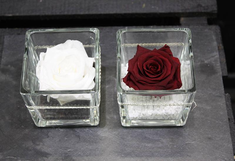 rose naturelle rose eternelle. Black Bedroom Furniture Sets. Home Design Ideas