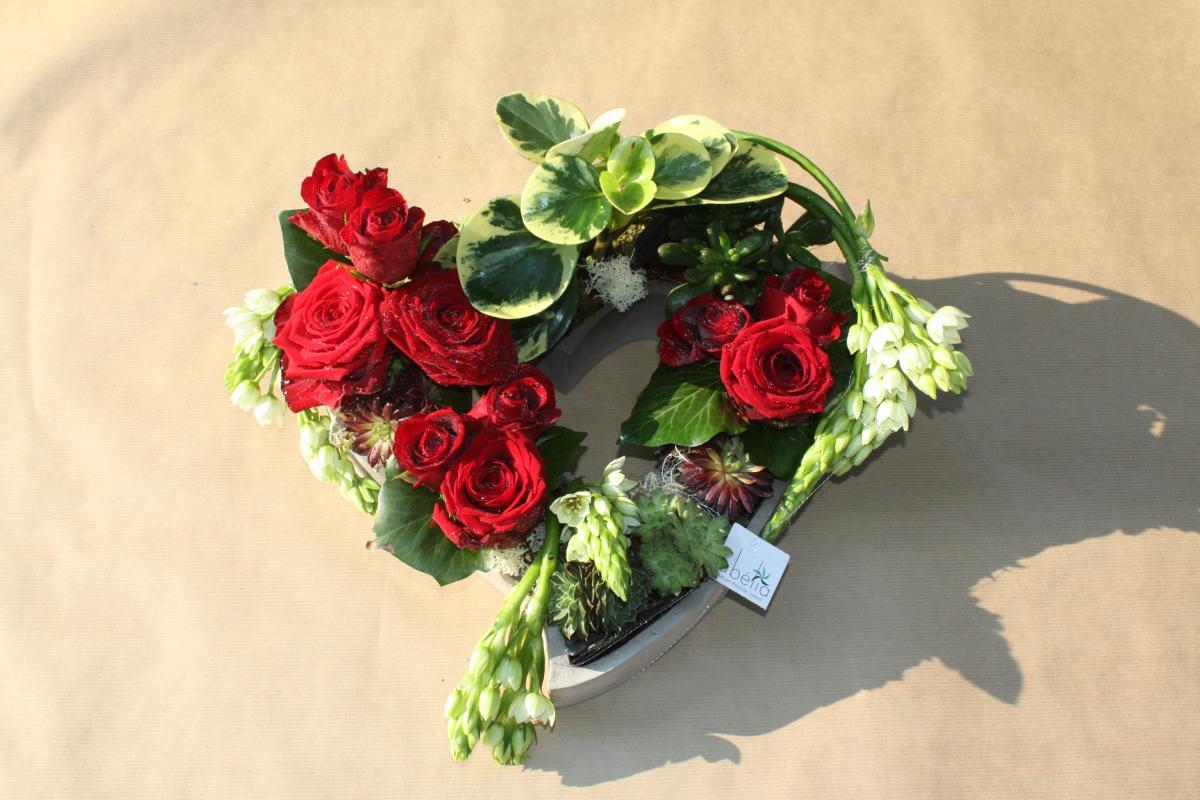 coeur de roses et plantes