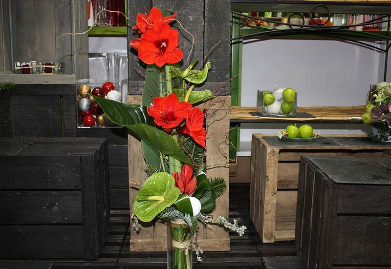 Bouquet d 39 amaryllis fleur exotique par votre fleuriste for Amaryllis fleuriste